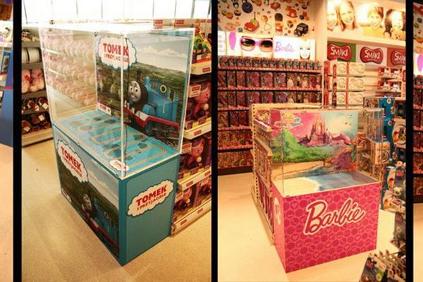 02_2012.04.04 Mattel_Opole i Kielce_gablotki 00